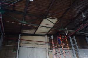 мойка потолка на складе